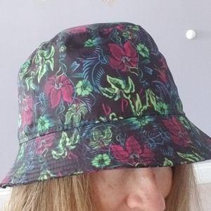 Nike Accessories - Nike floral bucket hat